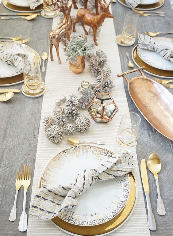 realmomster christmas table