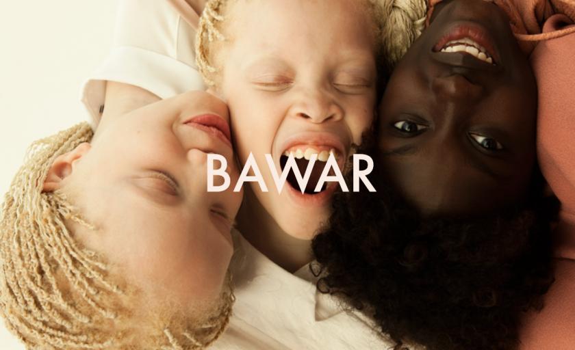 Meet Lara and Mara Bawar, The Tantastic Albine Twins On the Web