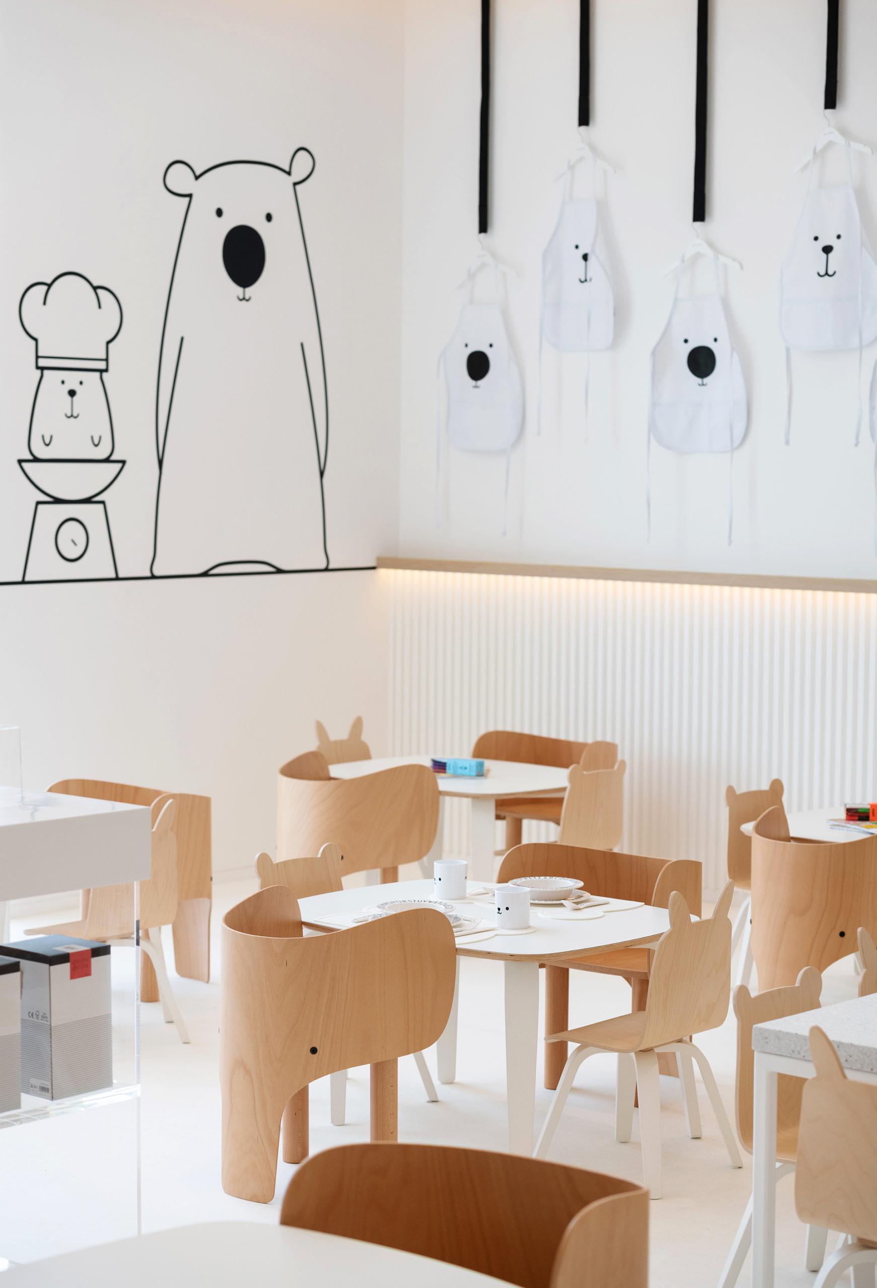 Realmomster White & The Bear Dubai Children Restaurant Concept